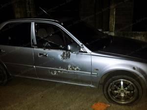 ปิดถนนหลังอำเภอยิงถล่มสองผัวเมียชาวฉวาง รถพรุนแต่รอดตายราวปาฏิหาริย์