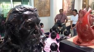 """เยือนบ้านศิลปินเซอร์เรียลลิสม์ """"ประทีป คชบัว"""" กับเด็กๆ Art Learning สาธิตจุฬาฯ"""