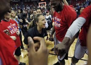 """สตาร์ """"นักเก็ตส์"""" ฟันธง ประวัติศาสตร์เกิดแน่ NBA มีเฮดโค้ชหญิง"""