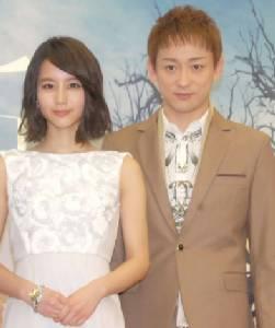 """หวานหยด! """"ยามาโมโตะ โคจิ"""" ขอเบอร์โทรฯ """"มากิ โฮริคิตะ"""" มา 6 ปีสุดท้ายได้แต่งงานกัน"""