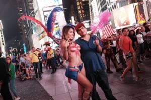 Desnudas and Times Square