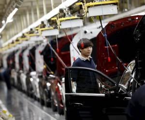"""ข้อมูลฟ้องภาคผลิต-บริการ """"จีน"""" ซบ IMF ปลอบ """"ชะลอแต่ไม่เกินคาดหมาย"""""""