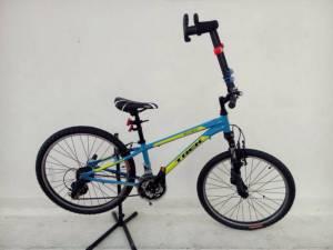 """รถจักรยานพระราชทานถึง """"น้องทาม"""" เด็กไร้แขนพฤหัสฯนี้"""