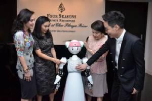 ปาร์ตี้สุดหรูริมน้ำต้อนรับคนดังระดับเอลิสต์ชมแฟชั่นโชว์สุดยอดนวัตกรรมฝีมือคนไทย!!