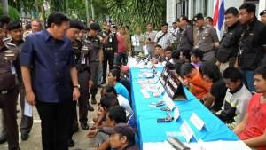 ผู้ว่าฯ ขอนแก่นพอใจผลกวาดล้างอาชญากรรม-ยาเสพติด จับผู้ต้องหา 93 ราย ยึดยาบ้าได้กว่า 10,002 เม็ด