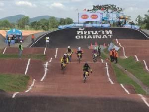 พ่อเมืองชัยนาทเปิดงานแข่งจักรยาน BMX ชิงถ้วยพระเทพฯ ลุ๋นตั๋ว อลป.2016 ปลื้มสนามระดับโลก