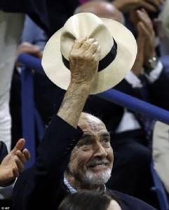 """ปู่ """"ฌอน คอนเนอรี""""อดีตเจมส์ บอนด์หอบสังขารวัย 85ปีร่วมก๊วนคนดังชมศึกยูเอส โอเพน"""