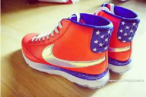 """เจ้าแม่แฟชัน """"มิเชล วี"""" อวดรองเท้าลายธงสหรัฐฯ ใส่ลุย """"โซเลม คัพ"""""""