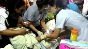 สาวท้องแก่ปวดท้องคลอดกะทันหัน กู้ภัยสว่างเหตุทุ่งเหี่ยงช่วยได้ทัน