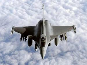 ฝรั่งเศสเปิดฉากถล่มไอเอสในฝั่งซีเรีย หลังบินตรวจการณ์นาน 3 สัปดาห์