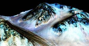 นาซาค้นพบครั้งใหญ่! ยังมีน้ำไหลบนดาวอังคาร