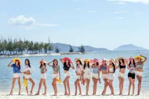 ดูยังไงๆ ก็ไม่เบื่อ สาวๆ เปื้อนโคลน In Bikini เล่นรักบี้ วอลเลย์บอลริมหาด