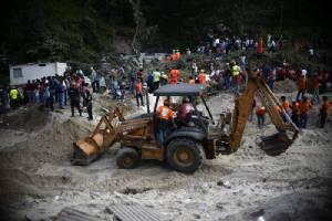 ดินถล่มฝังหมู่บ้านกัวเตมาลา ตาย 7 สูญหาย 200 คน