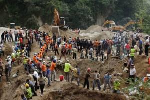 """ดินถล่ม """"หมู่บ้าน"""" ชานเมืองหลวงกัวเตมาลา ตายพุ่งเป็น 86  ยังสูญหายอีกหลายร้อย"""