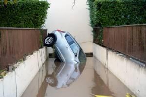 """ยอดตายน้ำท่วม """"เฟรนช์ริเวียรา"""" ในฝรั่งเศสเพิ่มเป็น 16 ราย"""