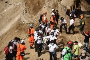 """ยอดตาย """"ดินถล่ม"""" ทับหมู่บ้านในกัวเตมาลาพุ่ง 131 ศพ- 300 ชีวิตยังสูญหาย"""