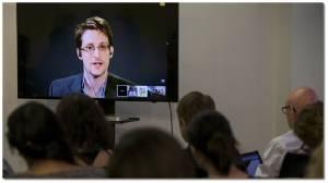 """""""เอ็ดเวิร์ด สโนว์เดน"""" มือแฉ NSA สหรัฐฯ ประกาศยอมรับ """"โทษติดคุก"""" แลกดีลกลับอเมริกา"""