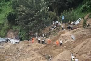 ยอดตายเหตุดินถล่มฝังหมู่บ้านกัวเตมาลาพุ่ง 161 ศพ