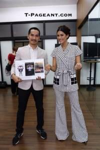 """ดูชัดๆ """"ตุ๊กตุ๊กไทยแลนด์"""" ชุดประจำชาติ Miss Universe Thailand 2015"""