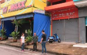 สื่อนครพนมแจ้งตำรวจจี้ท้องถิ่นเอาผิดร้านค้ารุกล้ำทางเท้า-ถนนสาธารณะ