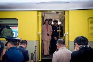 สมเด็จพระเทพฯ เสด็จทอดพระเนตรวิถีชีวิตชุมชนบริเวณสถานีรถไฟนครปฐม