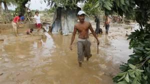 น้ำท่วมฟิลิปปินส์เริ่มลดระดับ แต่ยอดตายจากไต้ฝุ่นคปปุเพิ่มเป็น 47 ราย