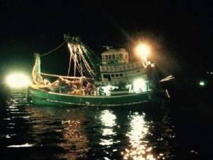 ศรชล.เขต 1 ปิดอ่าวประจวบฯ จับกุม 5 เรืออวนล้อมไทย ใช้อวนตาถี่กว่าที่กฎหมายกำหนด