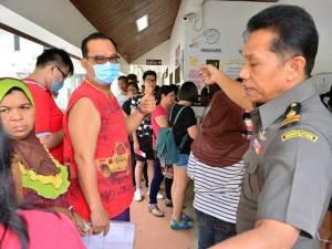 เบตงหมอกลดมาเลย์-สิงคโปร์แห่เที่ยวคึกคัก ปภ.นราฯคาด 2-3 วันสถานการณ์เข้าสู่ภาวะปกติ