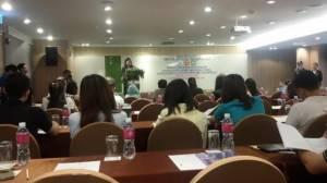 """นักศึกษา ป.โท จัดสัมมนา """"SMEs ไทยเปลี่ยนแนวรับปรับแนวรุกในยุค AEC"""""""