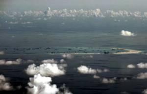 """ไม่หวั่นพญามังกร! สหรัฐฯ เตรียมส่งเรือแล่นเฉียด """"เกาะเทียม"""" ของจีน 2 ครั้งทุกๆ 3 เดือน"""