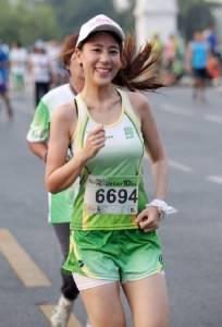 """น่ารักทั้งนั้น!! สีสันงานวิ่ง """"Thai Health Day 10K Run 2015"""""""