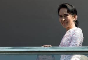 10 ประเด็นท้าทายที่ NLD และคุณอองซานซูจีต้องเผชิญหลังการเลือกตั้ง