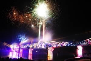 ตร.ท่องเที่ยวกาญจน์พร้อมบริการดูแลความปลอดภัยนักท่องเที่ยวช่วงงานสัปดาห์สะพานข้ามแม่น้ำแคว