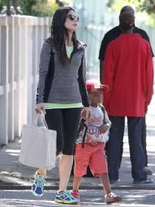 """""""ซานดรา บูลล็อค"""" เป็นแม่คนอีกครั้งมีลูกคนที่ 2 ให้ """"น้องหลุยส์"""""""