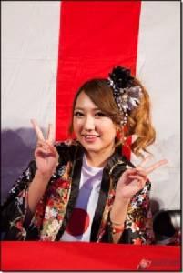 """อิ่มบุญเต็มมือ! ภาพจริงจากงานดาราสาวญี่ปุ่น """"เปิดอกต้านเอดส์"""" (ชมภาพและคลิป)"""