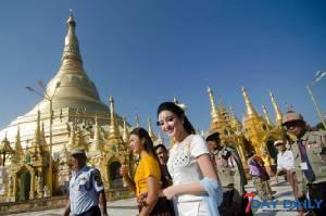 """""""น้องหมี"""" มิสเวียดนามไปพม่าเธอน่ารักจริงๆ หม่องๆ ยังฮือฮากันไม่หยุด"""