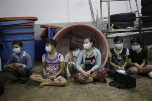 สื่อนอกสาวไส้ไทยอีก! แฉใช้แรงงานทาสตามโรงงานกุ้ง-ตำรวจสมรู้ร่วมคิด