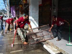 """ชาวเบตงร่วม Big Cleaning Day ในโครงการ """"สีสันสดใส เมืองไทยน่าเที่ยว"""""""