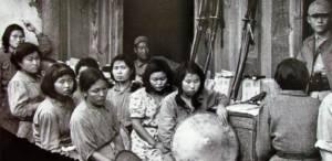 """ญี่ปุ่น-เกาหลีใต้บรรลุข้อตกลงประวัติศาสตร์ ยุติปัญหา """"นางบำเรอ"""" สมัยสงครามโลก"""