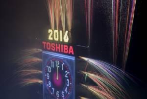 คนอเมริกันนับล้านร่วมยินดีในงานฉลองปีใหม่ที่ไทม์สแควร์ ตำรวจคุมเข้มไร้ปัญหา