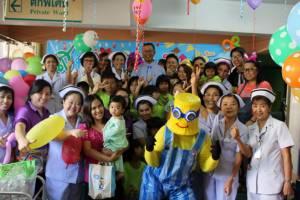 เด็กๆ ในโรงพยาบาลพังงาโชคดีได้ร่วมงานวันเด็กแห่งชาติ