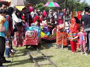 บรรยากาศงานวันเด็กในปัตตานีคึกคัก สร้างความสนุกสนานให้แก่เด็กได้เป็นอย่างดี