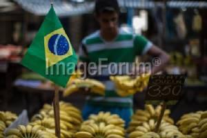 Mumbai police force-feed thief dozens of bananas
