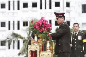 """""""ธีรชัย"""" นำกำลังพลทำพิธีวันกองทัพไทย ย้ำรักษาสัตย์-เสียสละ-สามัคคี"""