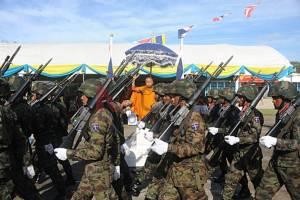 นาวิกโยธินภาคใต้สวนสนามปฏิญาณตนพร้อมปกป้องชาติเนื่องในวันกองทัพไทย