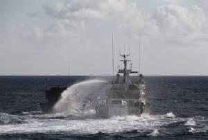 เรือป้องกันชายฝั่งไต้หวันฉีดน้ำแรงดันสูงขับเรือเวียดนามใกล้หมู่เกาะสแปรตลีย์