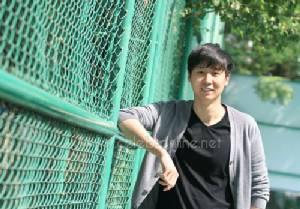 ซุปตาร์ฮ็อกกี้น้ำแข็งทีมชาติไทย ริชชี่-ชวัล เจียรวนนท์