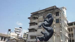 """ชี้   11  จุด  Street Art  โดยศิลปินไทยและนานาชาติ   เทศกาลเมืองศิลปะ """"บุกรุก"""" ครั้งที่ 2"""