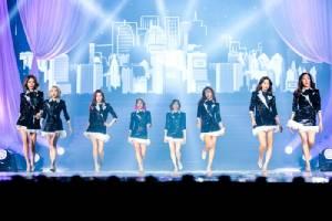 """( เพิ่มรูป )สาวๆ """"Girls' Generation"""" บอกเองพี่ไม่ได้มาเล่นๆจัดเต็มคอนเสิร์ตครั้งที่ 3 ในไทย"""