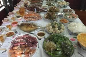 ตรุษจีนภูเก็ตนักท่องเที่ยวแห่เข้า ขณะที่คนไทยเชื้อสายจีนไหว้เจ้า-บรรพบุรุษ